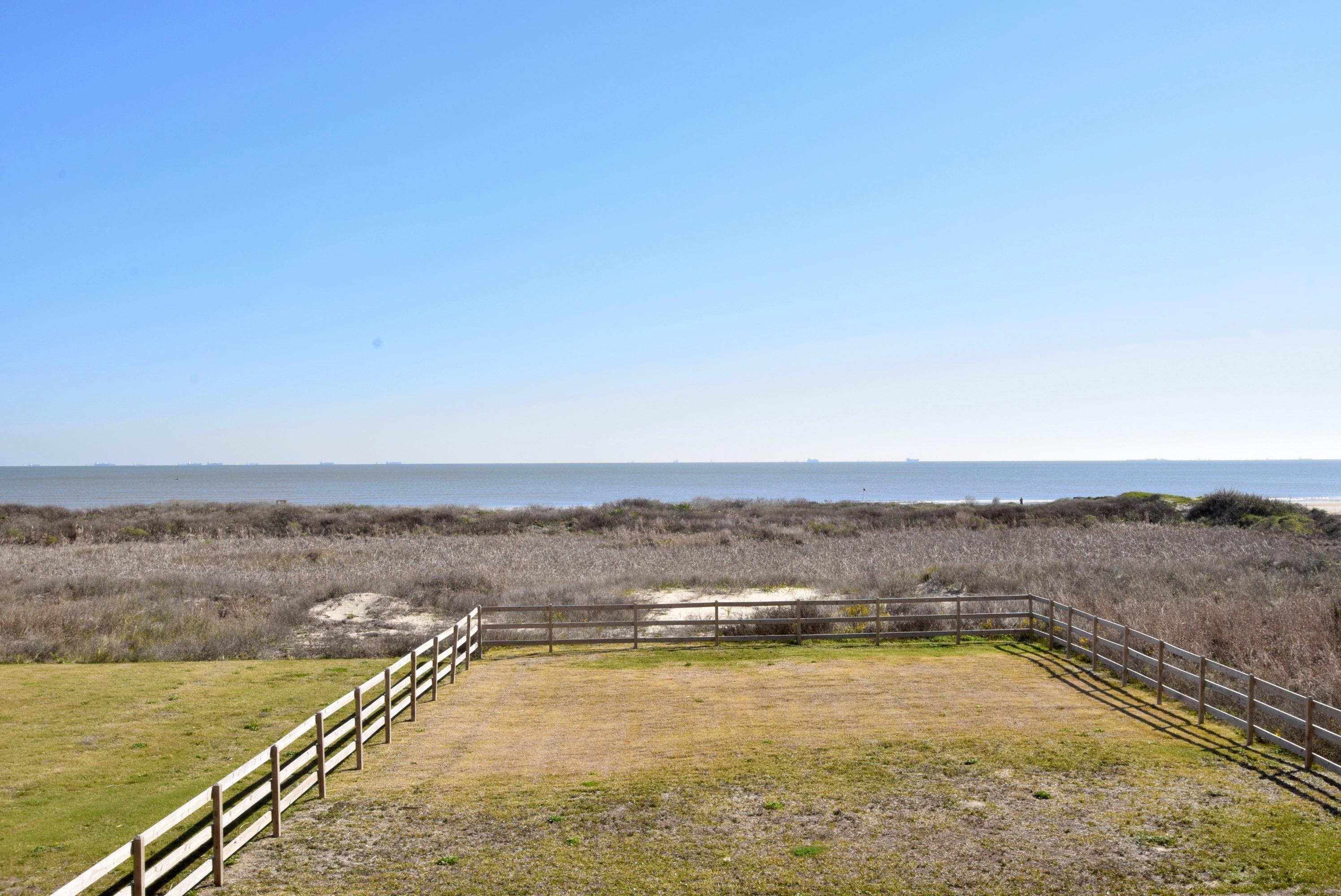 Beachfront Breeze | Photo 8