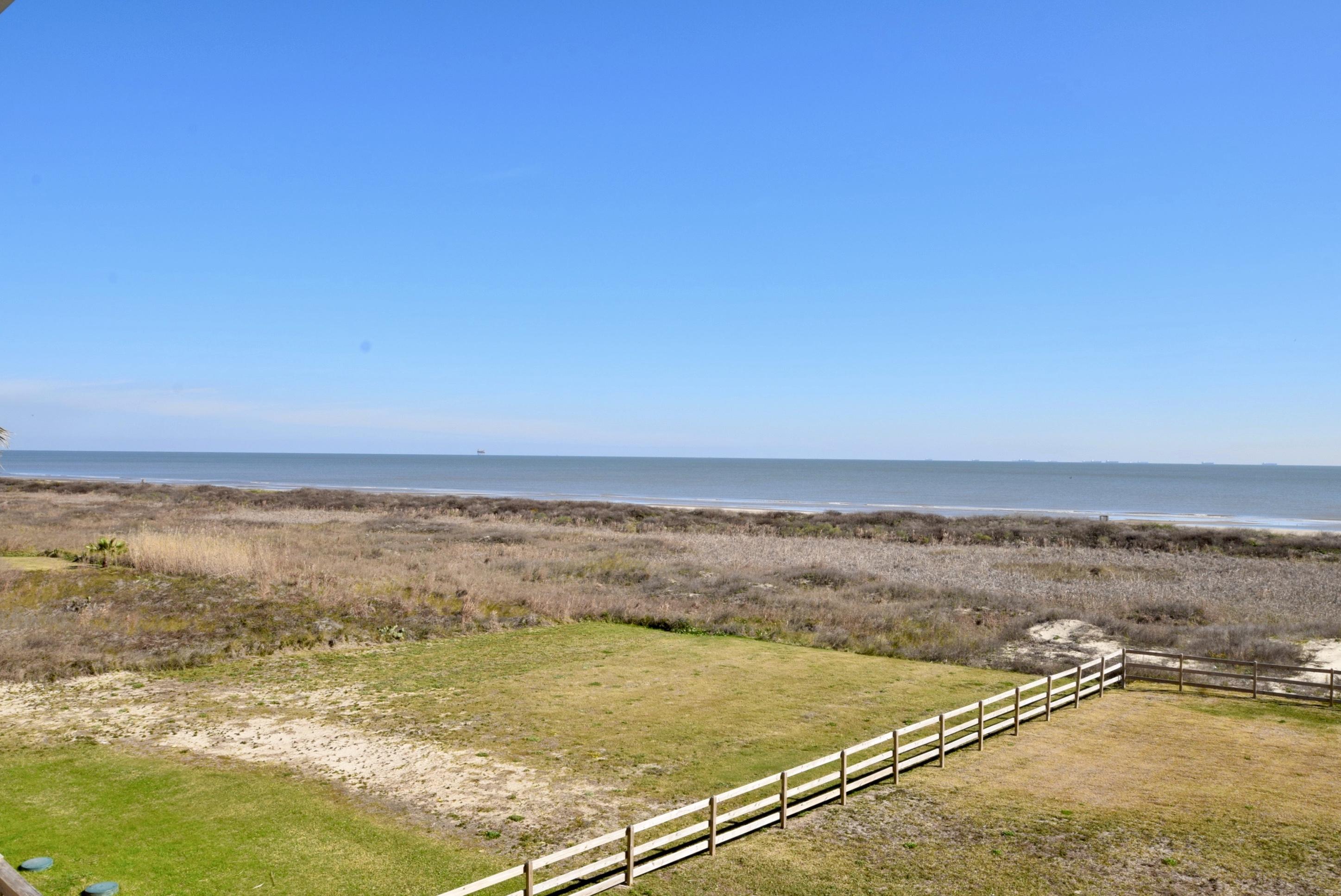 Beachfront Breeze | Photo 13