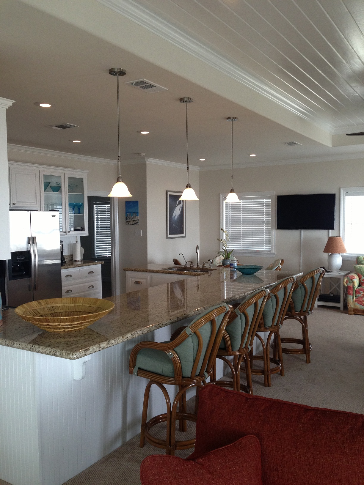Shore Haven Kitchen / Breakfast Bar