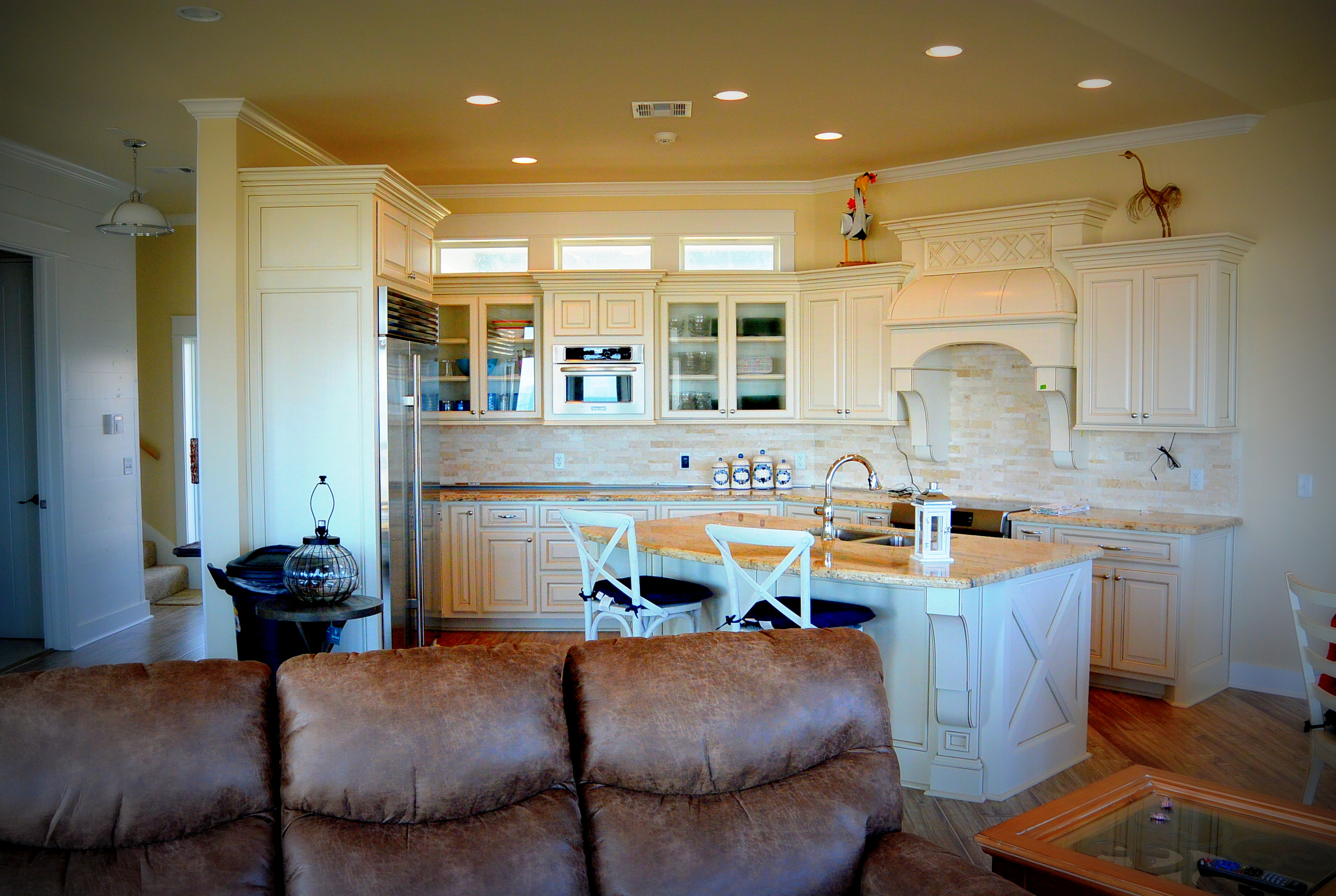 WOW dining area/kitchen