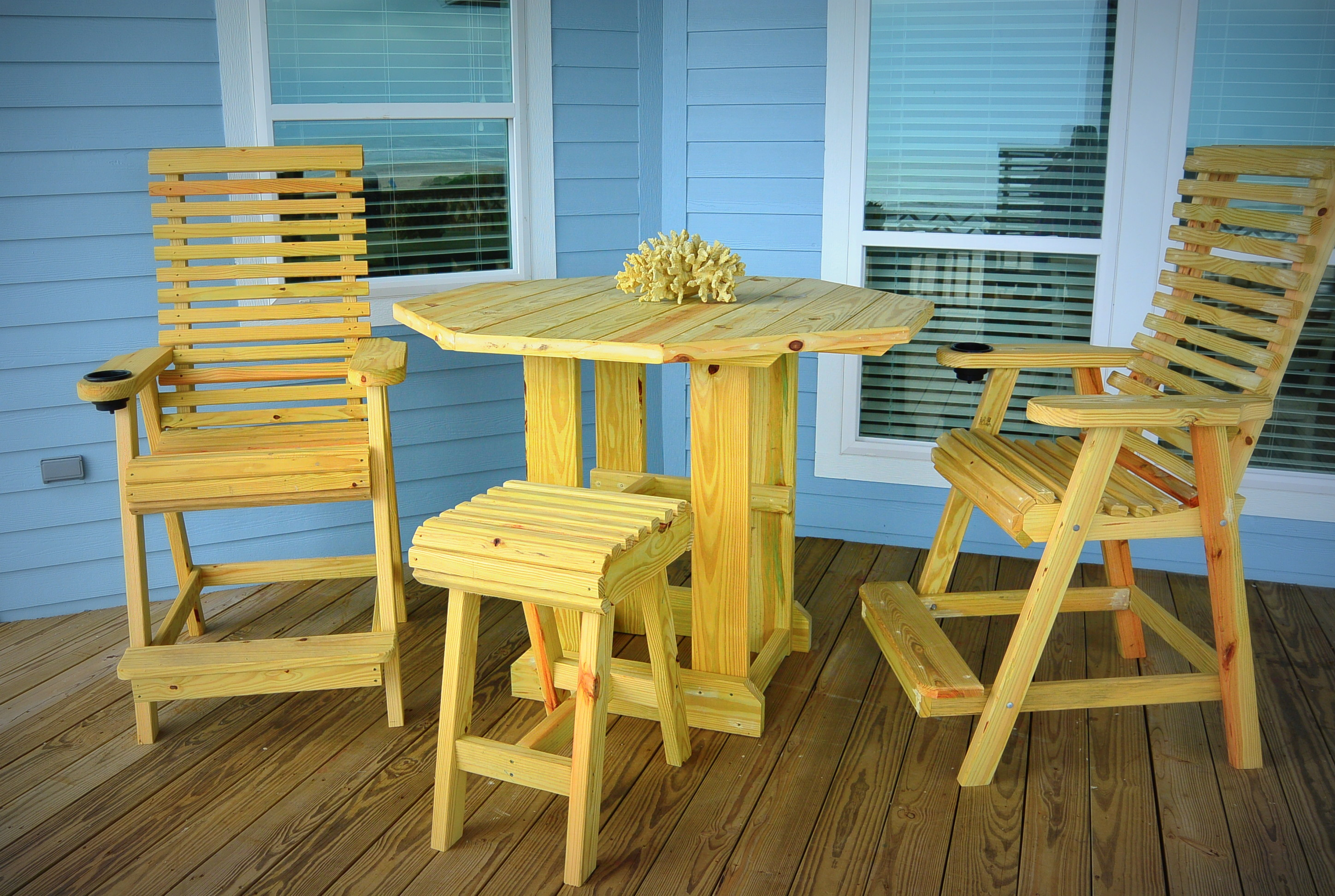 WOW deck furniture
