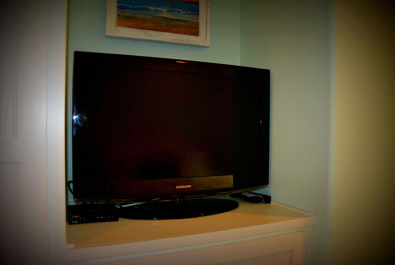At Water's Edge bedroom 2 tv