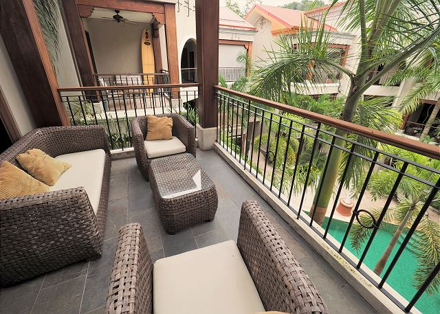 Garden Penthouse, Pool view Terrace