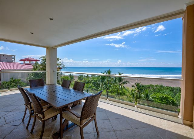 Breakwater Beachfront Jaco Condos