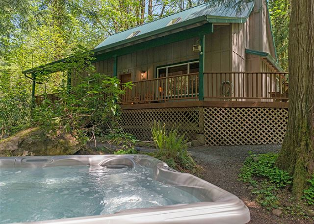 bear to den cabins hood mt log images view swipe vacation rentals cabin more