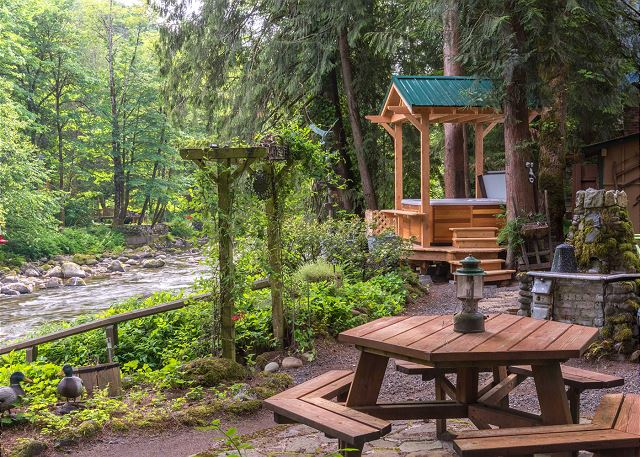 looking company vacation mt place is best rent look can you rentals week wild historical to spots the if re for outdoors predates cabin willamette mount classy hood probably cabins that
