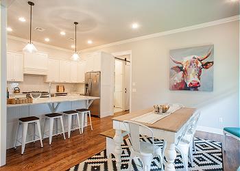 Carlton Landing Cottage rental - Interior Photo - Dining and kitchen