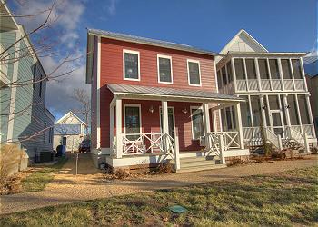 Eufaula Cottage rental - Exterior Photo - Front view of The Redbud