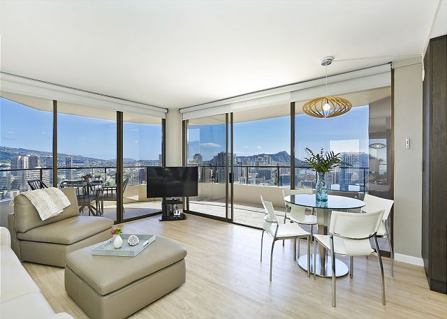 Canterbury Place 36d Waikiki Vacation Rentals - World-class-canterbury-estate-with-oceanviews