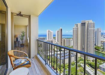 Chateau Waikiki #2902