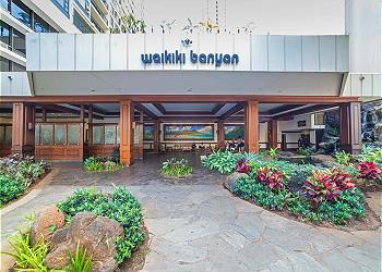 Waikiki Banyan #908T2