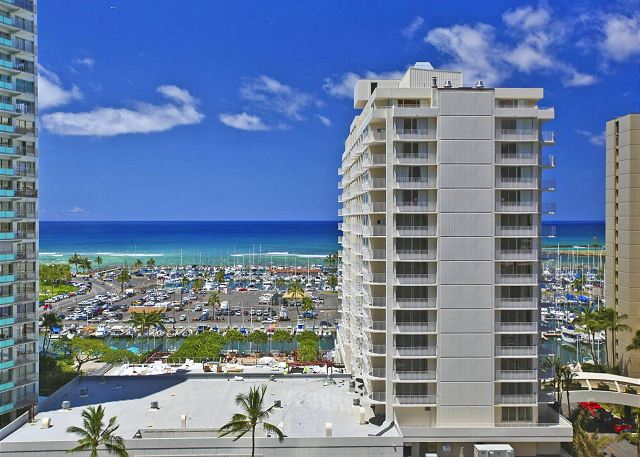 Discovery Bay #1509-Endeavor Tower - Waikiki Vacation Rentals