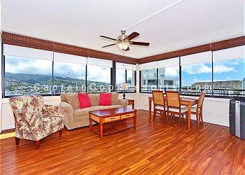 Waikiki Skytower #3002