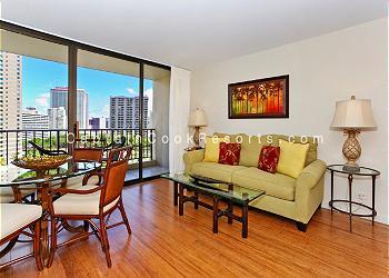 Chateau Waikiki #1014
