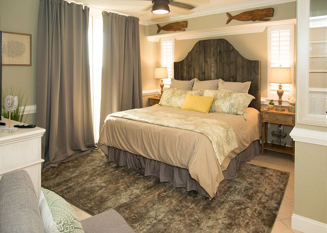 Beautiful Master Bedroom with a Big King Bed and private Bath
