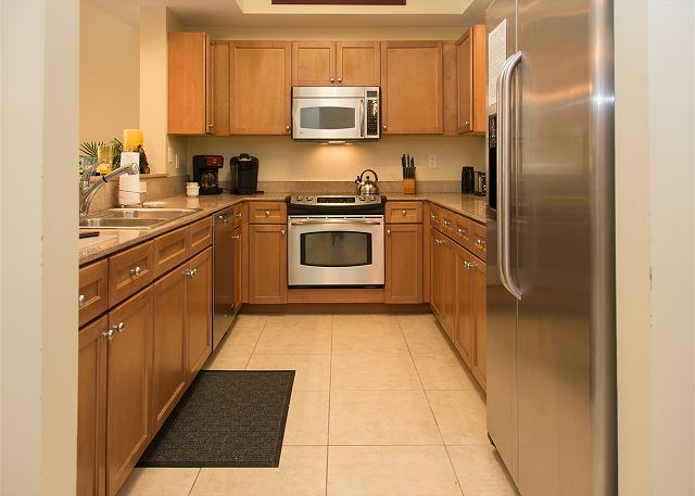 Kitchen with Refrigerator, Stove, Oven, Microwave, Dishwasher an