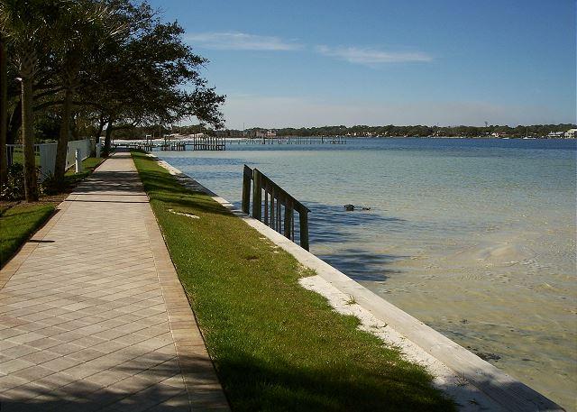 Walkway at the bay
