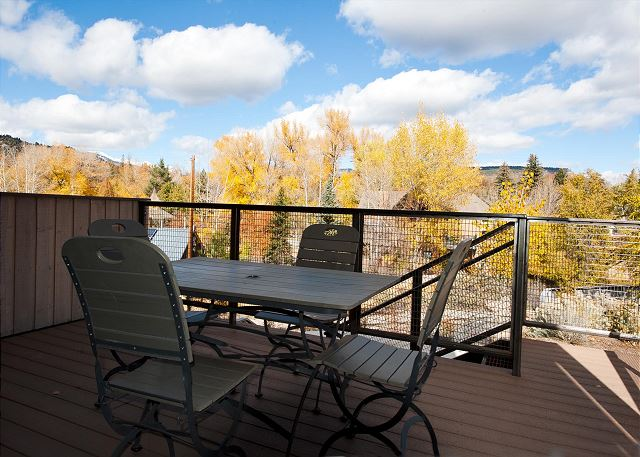 Lower level outdoor patio with grill