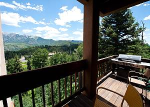 Completely Remodeled - Large Townhome - Amazing Views - Steps to Lifts