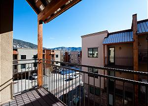 Luxury Townhome - 4 Miles from Downtown