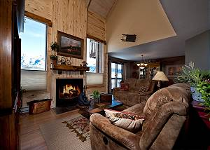 Awesome Views - Heated Pool - Free Ski Shuttle