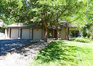Animas Valley Views in a Great Location - 30+ day Rental