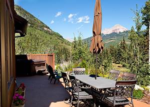 Luxury Home Across from Purg - Hot Tub and Great Views - Free Shuttle