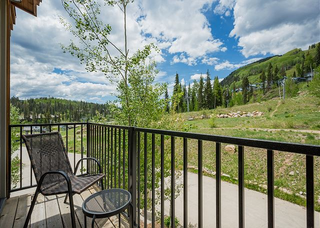 Deck off of master bedroom that faces the commuter lift #7 at Purgatory Resort. Walk to the slopes!