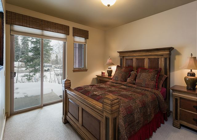 Master suite with queen size bed