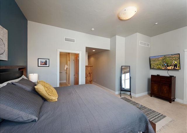Main Bedroom - King