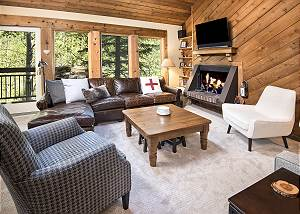Vail Mountain Condo-5 minutes from Vail Village - On Free Ski Bus Route