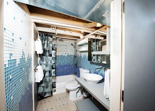 Basement bathroom with shower/tub