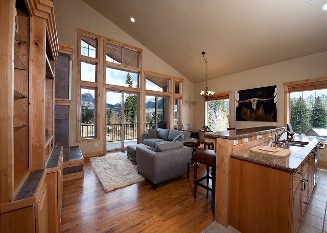 Luxury Ski In/Out townhome on Creek - Views - End Unit /Hot Tub/Ping Pong