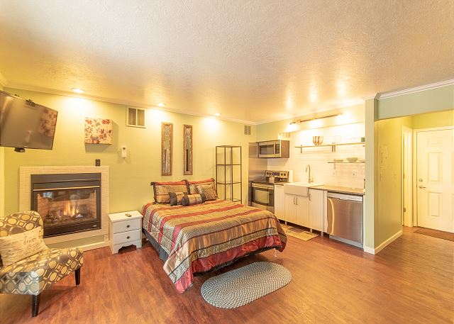 New Listing! Remodeled First Floor Condo ~ Walking Distance to Downtown Bend!