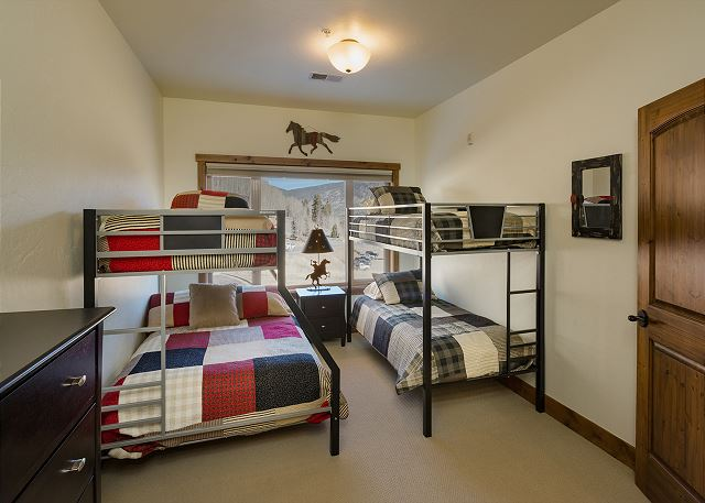 3rd Bedroom - Bunk Beds (Double over Double and Single over Single)