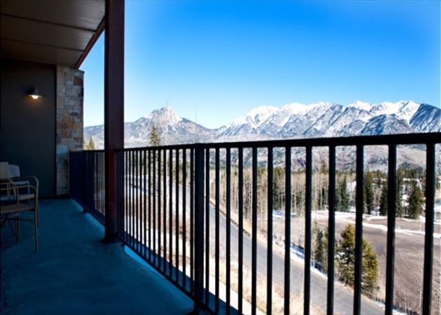 Patio with mountain views.