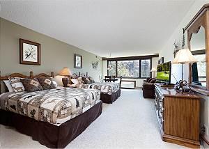 Tamarron Lodge #306 - Mtn Views - Golf - AC/Pool/Hot Tub - Ski Shuttle