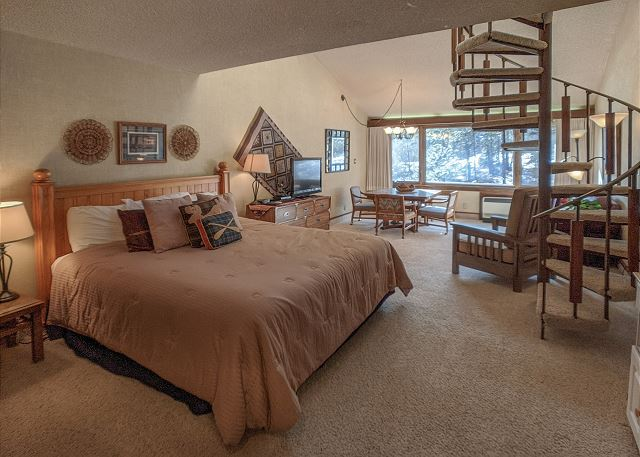 Tamarron Lodge #316 - A/C - Golf - Shared Pool & Hot Tub - Ski Shuttle
