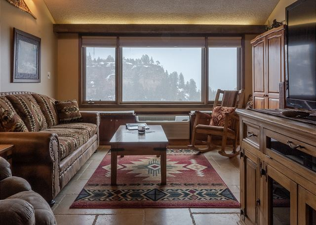 Tamarron Lodge #404 - Mtn Views - Golf - AC/Pool/Hot Tub - Ski Shuttle