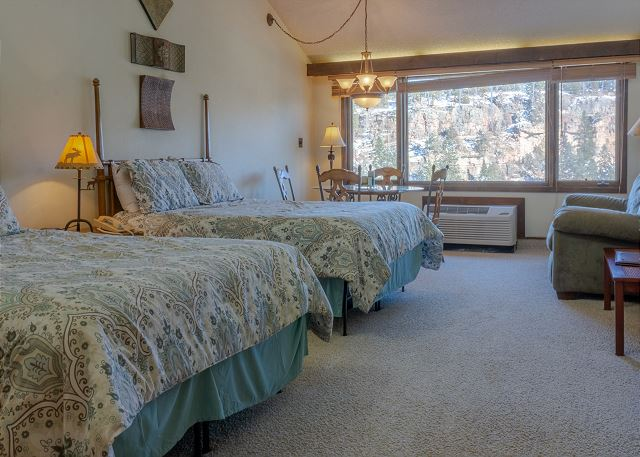 Tamarron Lodge #408 - Mtn Views - Golf - AC/Pool/Hot Tub - Ski Shuttle
