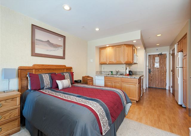 Queen Bed on Main Level