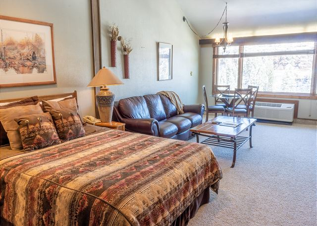 Tamarron Lodge #511 - Mtn Views - Golf - AC/Pool/Hot Tub - Ski Shuttle