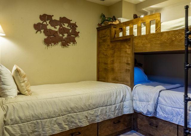 Bunk Room with 3 Twins in Master Bedroom Nook
