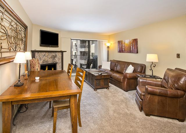 Condo in Heart of Avon - Free Ski Shuttle - Hot Tub, Pool, Sauna & Tennis