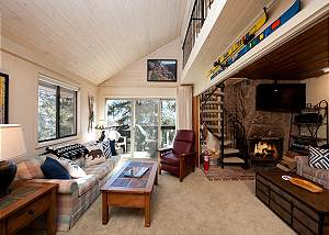 Affordable Ski in/Ski Out Condo - Newly Furnished - Views & Deck