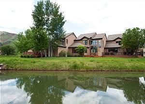 Dalton Ranch Townhome on 11th Fairway & Waterway - A/C - Unbeatable Views