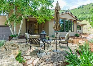 Luxury Home on 17 Acres - AC - Fire Pit - Ping Pong - Unmatched Views