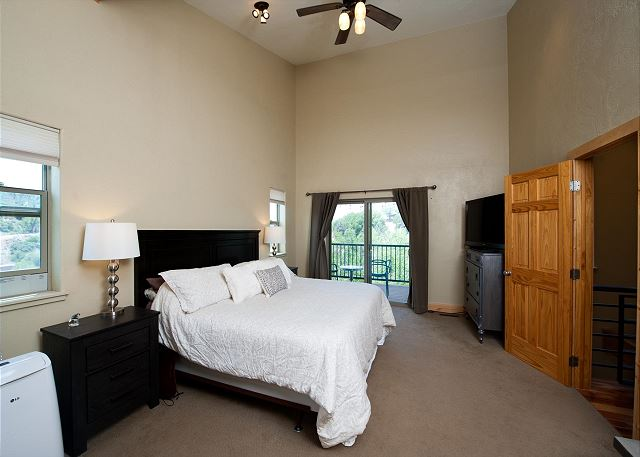 Master Bedroom - King, TV and Deck