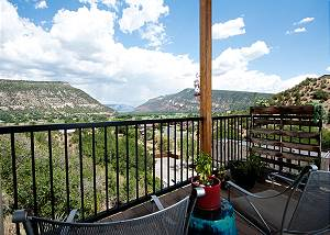 Luxury Home 2 miles to Downtown Durango - Amazing Views - AC - Ping Pong