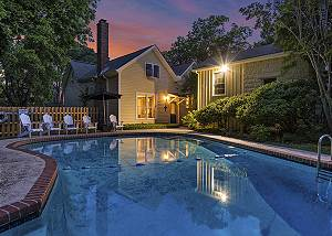Restored Historic Home Downtown - Private Pool - Perfect for Groups